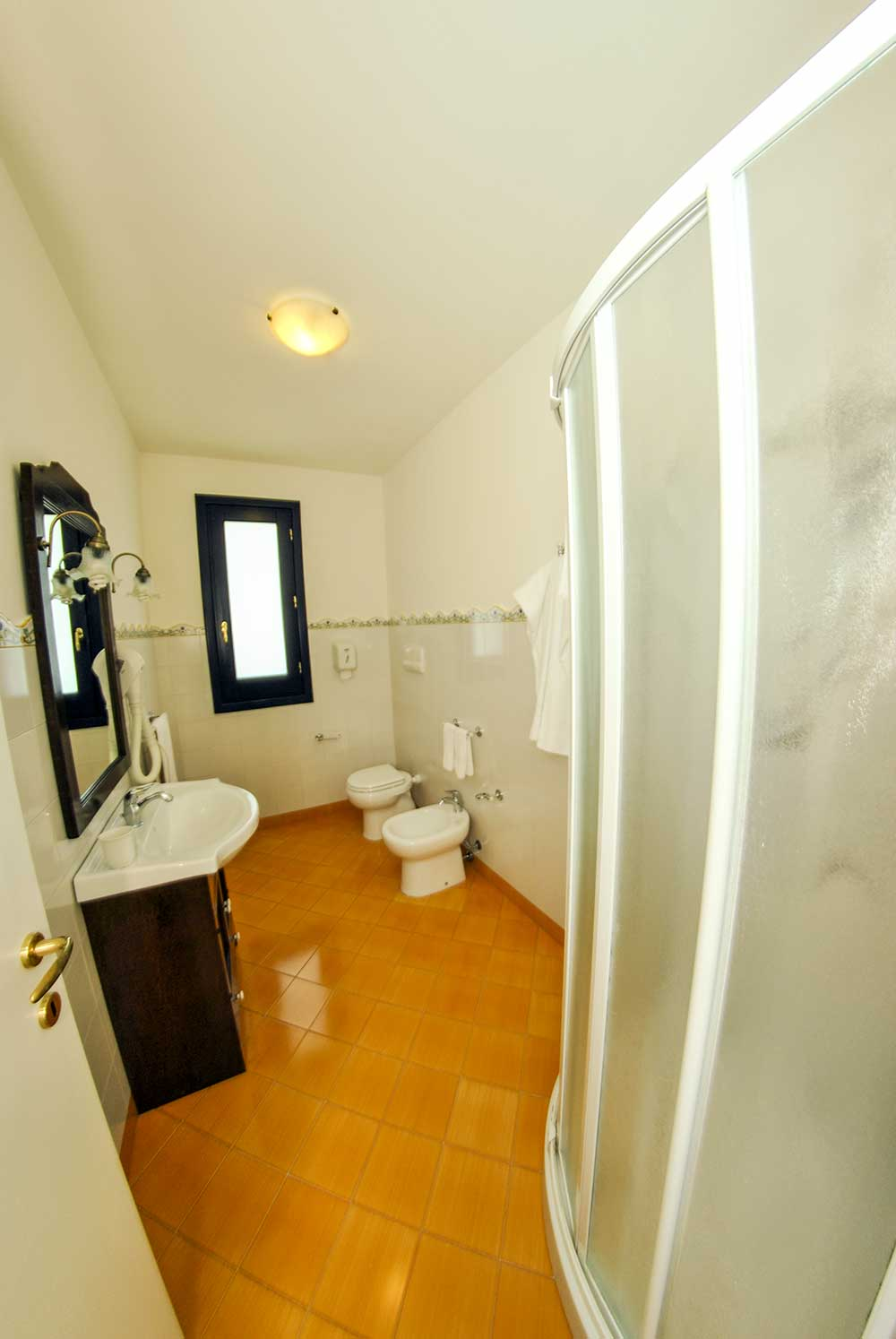 bagno camera quadrupla - Torre Salina